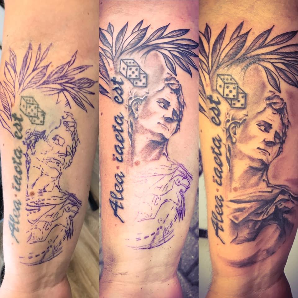 tattoo kostky jsou vrzeny